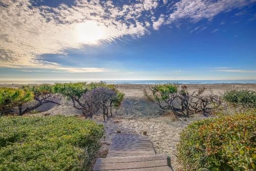 5 SOUTH BEACH LAGOON