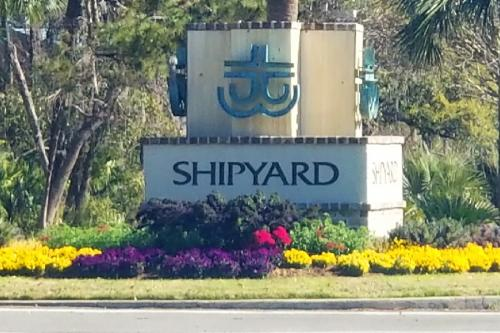 SHIPYARD RESORT